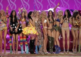 Los �ngeles de Victoria�s Secret se preparan para el espect�culo
