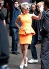 �Se est� volviendo Lady Gaga una chica cl�sica? �Analizamos su nuevo look!