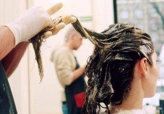 Trucos para oscurecer el cabello