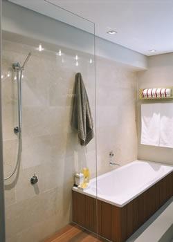 Limpieza efectiva de los azulejos del baño  MujerdeElite