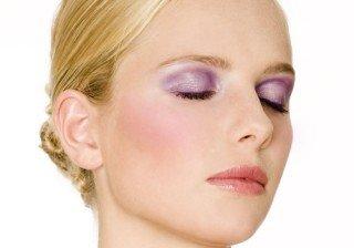 Maquillaje en p�rpura