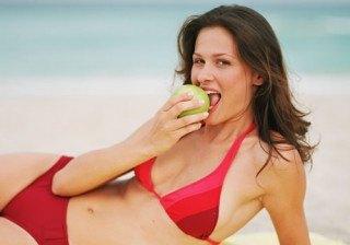 Dieta para no engordar en vacaciones: consejos y men� bajo en calor�as para un d�a de playa