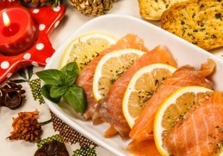 Salm�n marinado con salsa de lim�n al eneldo, el entrante perfecto para no engordar en Navidad