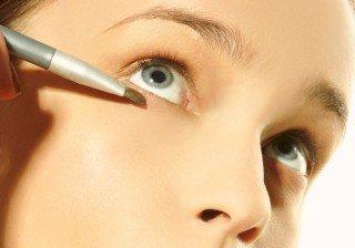 Lecci�n de maquillaje: elimina las ojeras