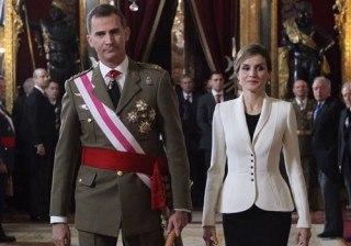 Letizia Ortiz, una reina conservadora, fiel a Felipe Varela y al blanco y negro en 2016