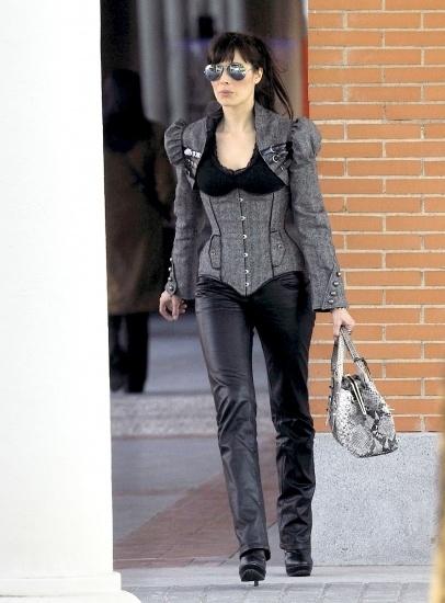 Pilar Rubio con pantalones de cuero