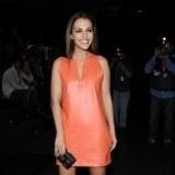 Tambi�n se atreve con vestidos naranjas