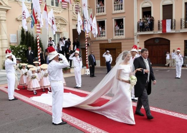 El vestido de la Princesa de Mónaco es de Armani