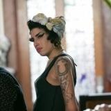 Amy Winehouse adornaba su cuerpo con tatuajes