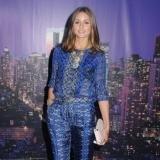 Olivia Palermo, muy guapa con un traje de dos piezas azul estampado