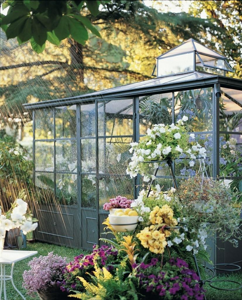 El invernadero perfecto para tu jard n foto xxl mujerdeelite - Jardin invernadero ...