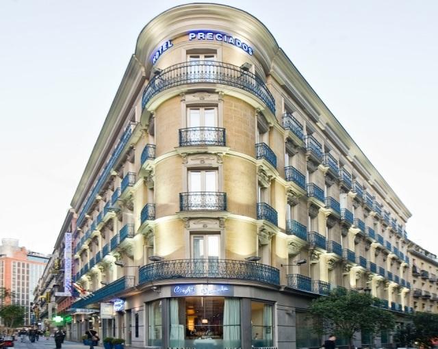 Fachada del Hotel Preciados en Madrid