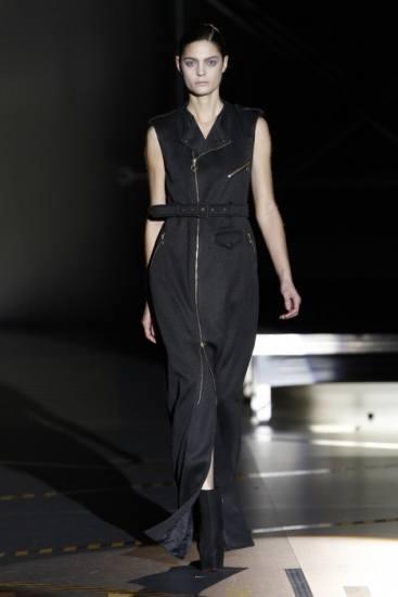 Vestido negro de David Delfín