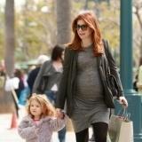 Alyson Hannigan, una embarazada con el look casual perfecto