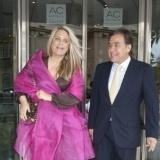 Isabel Sartorius y su original estilismo en la boda de �lvaro Fuster y Beatriz Mira