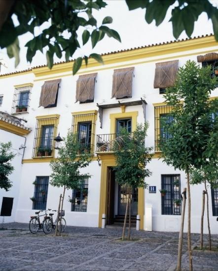 Fachada del hotel hospes las casas del rey de baeza en sevilla fotos mujerdeelite - Hospes las casas del rey de baeza ...