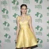 Emmy Rossum apuesta por el amarillo