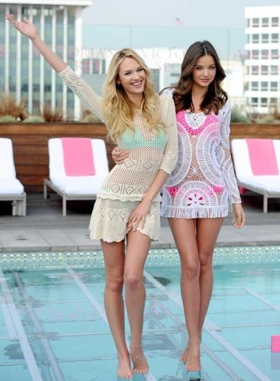 Bonitas t�nicas para la piscina cual �ngel de Victoria�s Secret