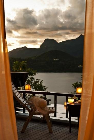 velas faroles y pequeos apliques ideales para disfrutar del porche o la terraza