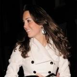 Kate Middleton, con pendientes largos