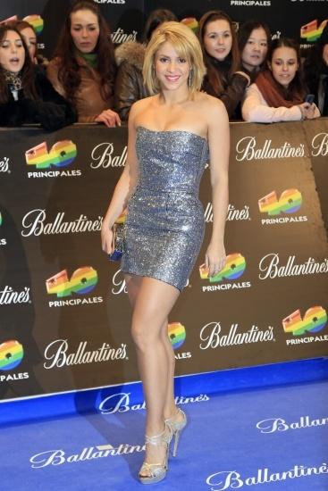 Shakira vestida en plata para los Premios 40 Principales