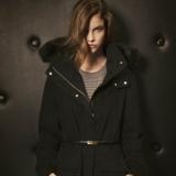 Abrigo negro de Massimo Dutti