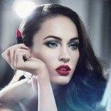 Megan Fox, habitual del pintalabios rojo luce siempre muy sexy