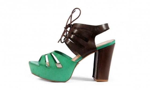 Sandalias con plataforma en color verde y marr�n para primavera 2013