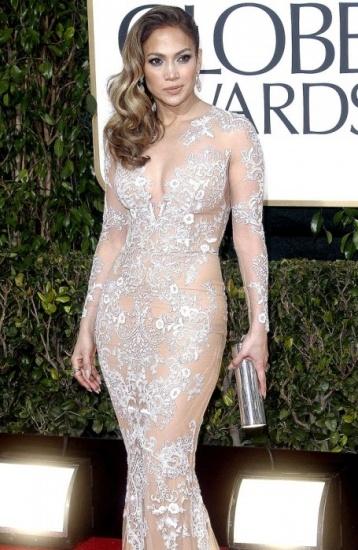 Jennifer L�pez presume de curvas en los Globos de Oro