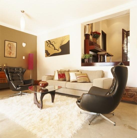 Situar una alfombra en el saln es otro de los trucos para - Alfombras para casas ...