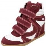 Sneakers en color rojo como tendencia en moda calzado primavera-verano 2013