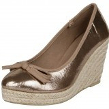 Cu�as de esparto en color metalizado como tendencia en moda calzado primavera-verano 2013