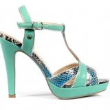 Sandalias de plataforma y print de pit�n como tendencia en moda calzado primavera-verano 2013