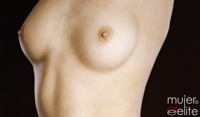 Si tiene que poner de pecho implanty