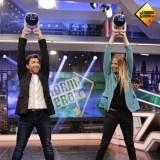 Martina Klein ense�a a Pablo Motos uno de los ejercicios del CrossFit para estar en buena forma