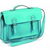 Bolso tipo satchel en color azul para tu look de primavera-verano