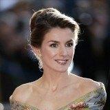 La princesa Letizia apuesta por los recogidos para sus looks de gala