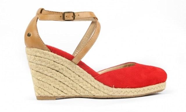 Sandalias de esparto con cuña para tu maleta de vacaciones