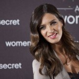 Sara Carbonero luce ondas estilo Hollywood durante el embarazo