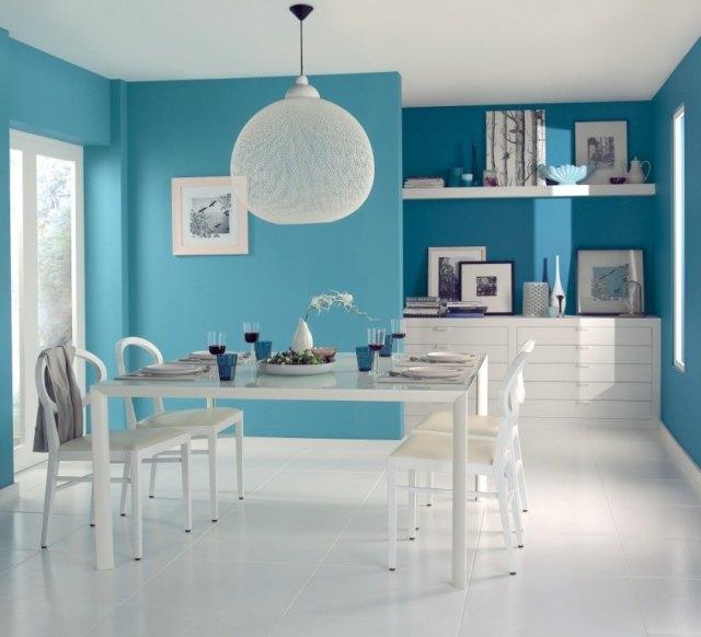 Llena tu casa de color combinando muebles neutros con tonalidades en las paredes