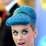 Katy Perry presume de labios rosas y pelo azul