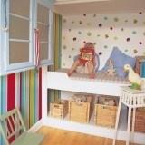 Combina papeles pintados de rayas y estampados en habitaciones infantiles �Arriesga y gana!