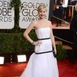 Jennifer Lawrence intenta lucir su tipazo triangular con modelos que apuestan por los vol�menes