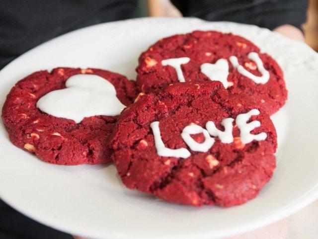 """Sorprende a tu pareja en San Valentín con unas deliciosas cookies """"Red Velvet"""""""