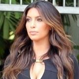 Kim Kardashian y su melena ondulada