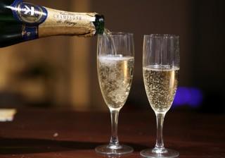 Las 10 Mejores Frases Célebres Sobre El Champagne Mujerdeelite