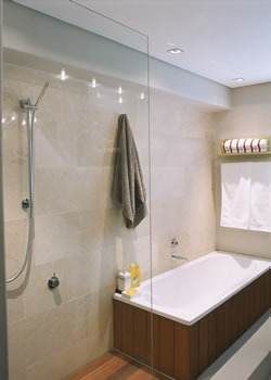 Limpieza efectiva de los azulejos del ba o mujerdeelite - Limpiar azulejos cocina para queden brillantes ...