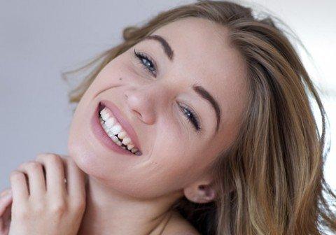 El envejecimiento de la piel y las arrugas son algunos de los problemas de belleza que más preocupan a las mujeres y es que ...