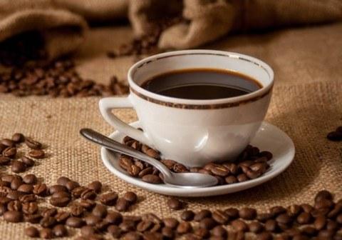 Como beber tres cafés al día es beneficioso para la salud, tenemos los consejos para que ames el café de la mejor manera. Además, ...
