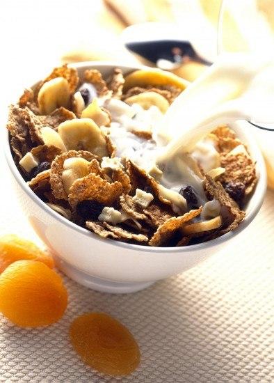 Foto Los cereales y la leche, entre los alimentos que producen más flatulencia